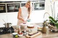 girl making pie