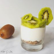Cheesecake kiwi cruesli Healthy Lunch dessert Breakfast