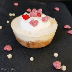 Peach Cheesecake muffin Healthy Lunch dessert Breakfast Zonnatura hearts fruit flakes pink sweet